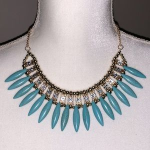 NWOT Crystal And Blue Bead Necklace